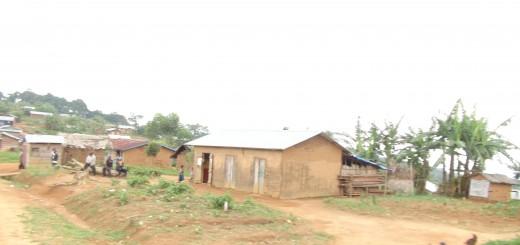 Vue d'un village du Sud Ouest du Territoire de Lubero