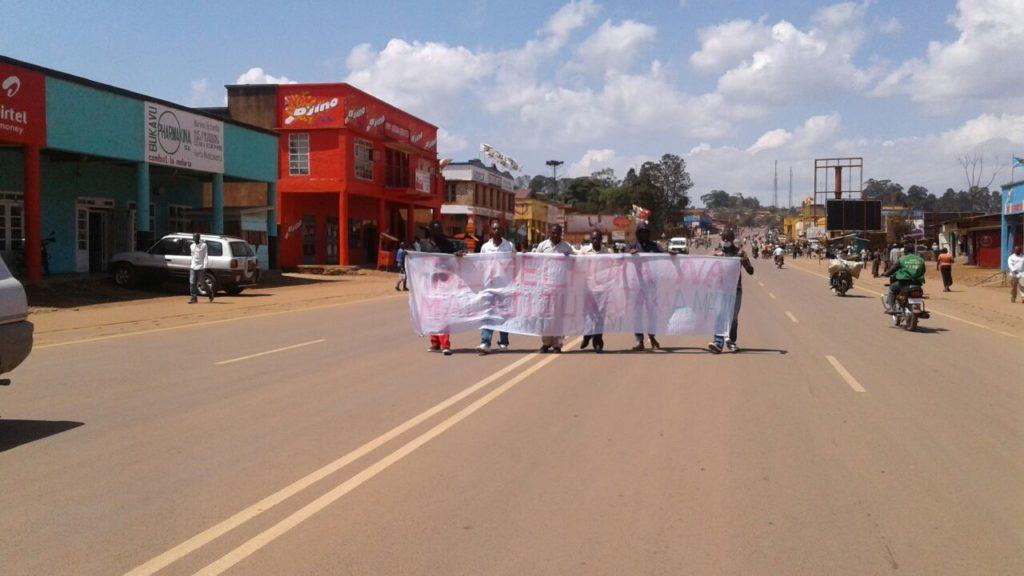 Des jeunes Manifestants en ville de Butembo contre les massacres à Beni